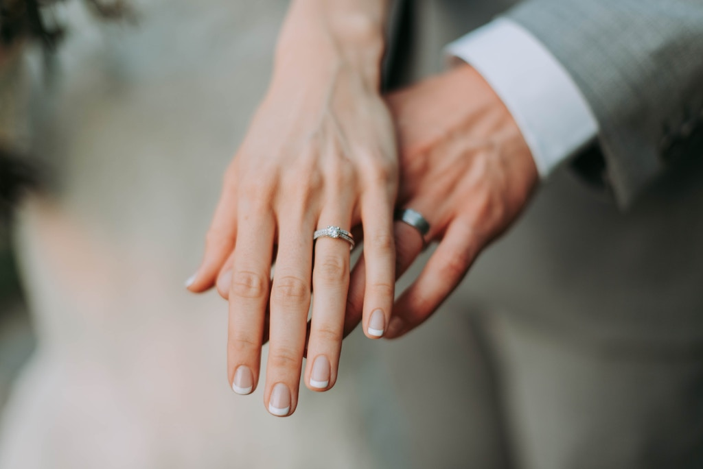 幸せな結婚!でもなぜか不安しかないのは何故?その知られざる理由と対処方法を徹底解説